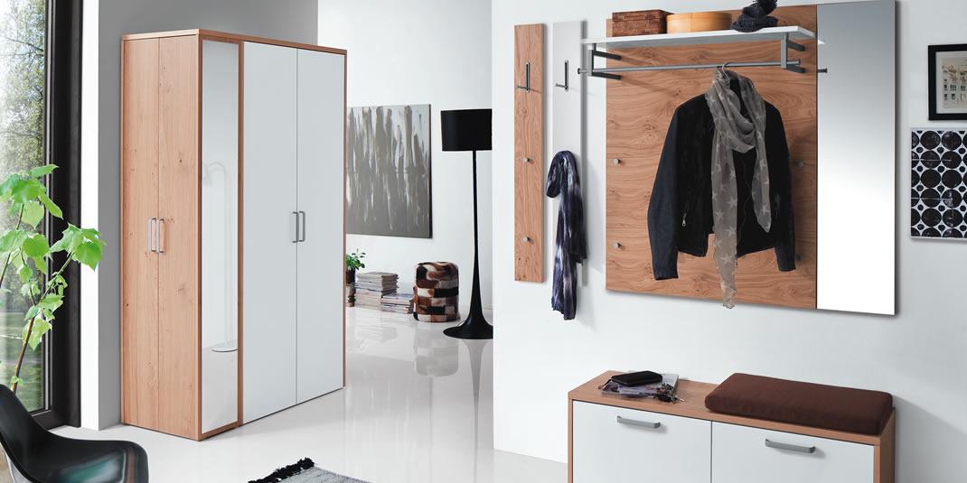 flur und diele wird zum blickfang mit m bel. Black Bedroom Furniture Sets. Home Design Ideas